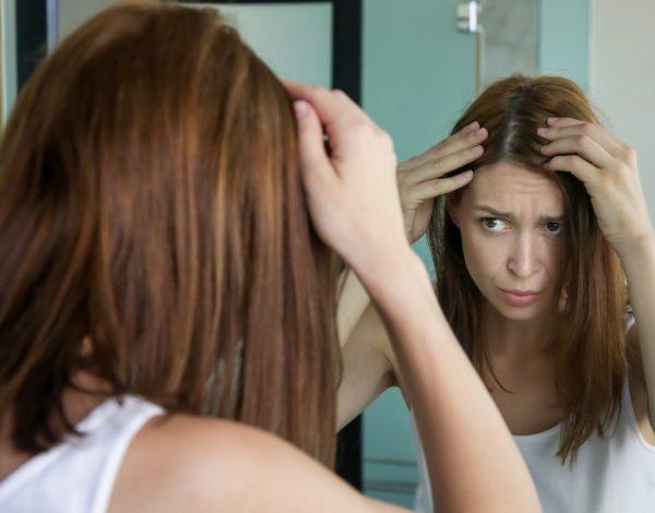 Čini se da su znanstvenici otkrili zbog čega naša kosa sijedi