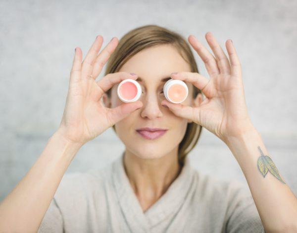 Ovo su navike koje problematičnoj koži uzrokuju još više prištića