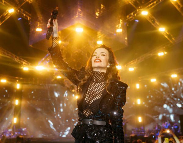 """SEVERINA ĆE VAS RASPLAKATI OVIM VIDEOM! Izvedba najveće prošlogodišnje hit balade """"Rođeno moje"""" u Areni Zagreb izgledala je uistinu fascinantno"""