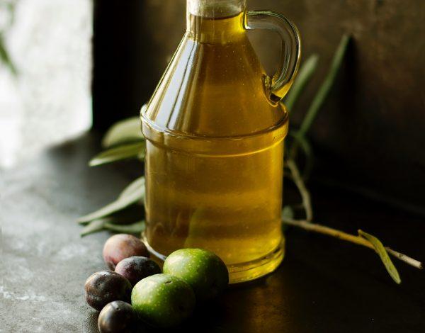Znate li da vam maslinovo ulje može pomoći u održavanju doma?