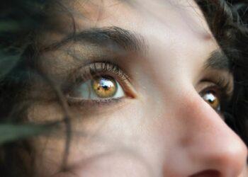 oči, suzne oči, zdravlje