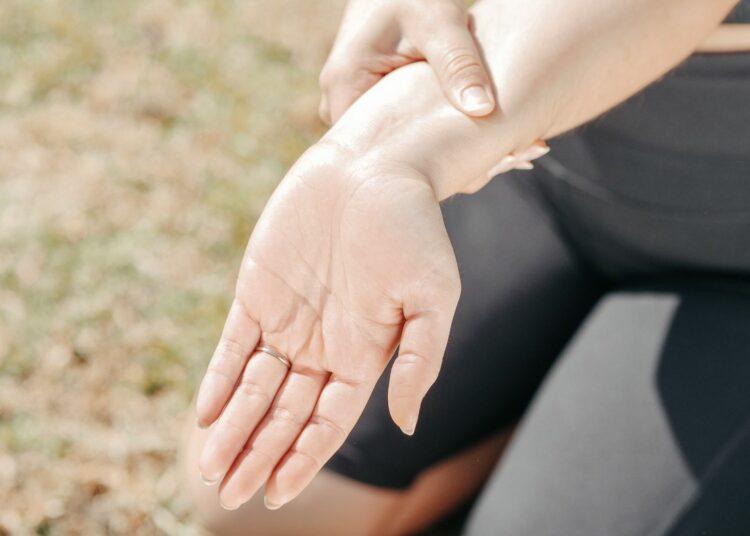 bolovi, ruka, zglobovi