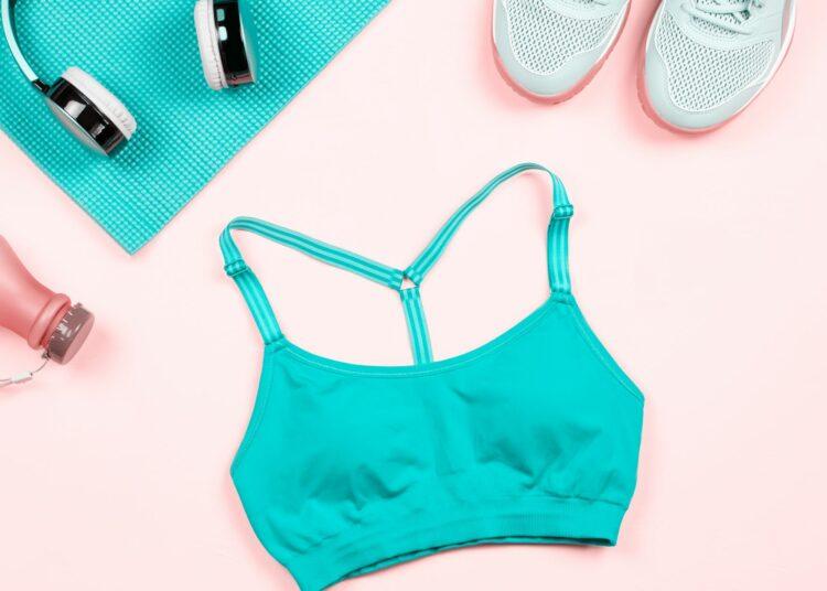 sportski komadi, sportska odjeća, sportska obuća, majica