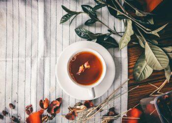 Čaj na stolu