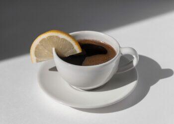 kava s limunom